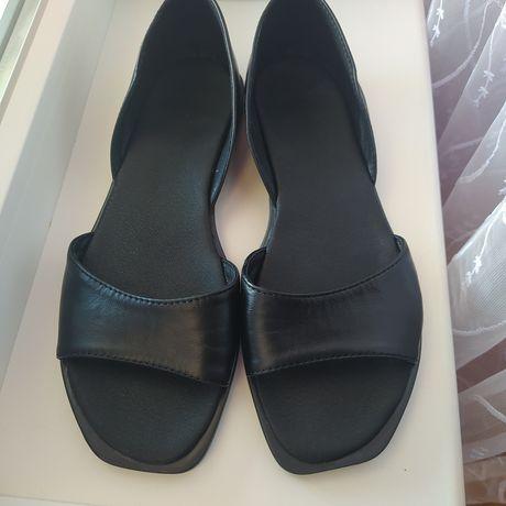 Жіноче взуття 39р.