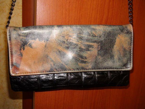 Сумочка на цепи ,кожа Etui London для ноутбука