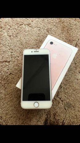 Продам iPhone 7 -
