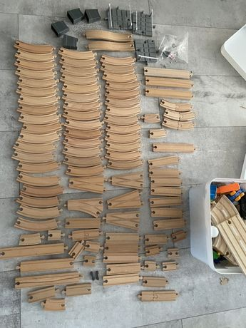 Drewniane tory z akcesoriami , mega zestaw 6 zestawów, autka, ciuchcie