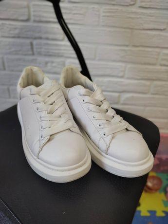 Кеди білі 38 розмір