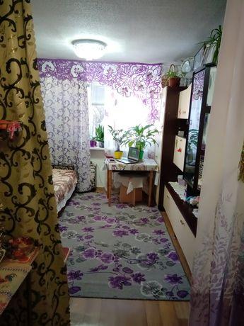 Кімната в гуртожитку з  меблями і технікою,заходь і живи