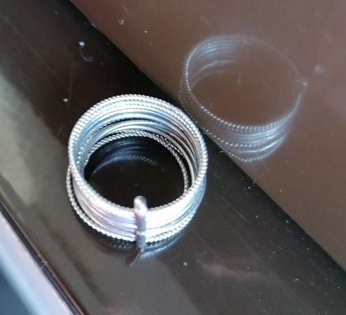 Artigos em prata(anéis e fio)