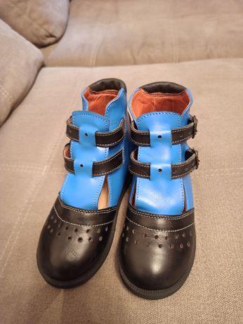 Ортопедичне взуття (при клишоногості)