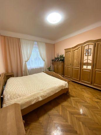 Продається 3 кімнатна квартира у центрі міста вул.Братів Руснаків
