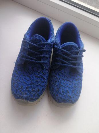 Кроссовки со светящейся подошвой 19 см