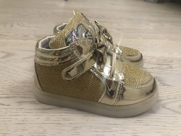 Светящиеся Ботинки/кеды