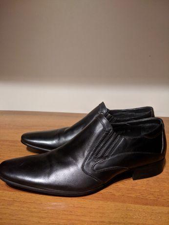 Подростковые  кожаные туфли.