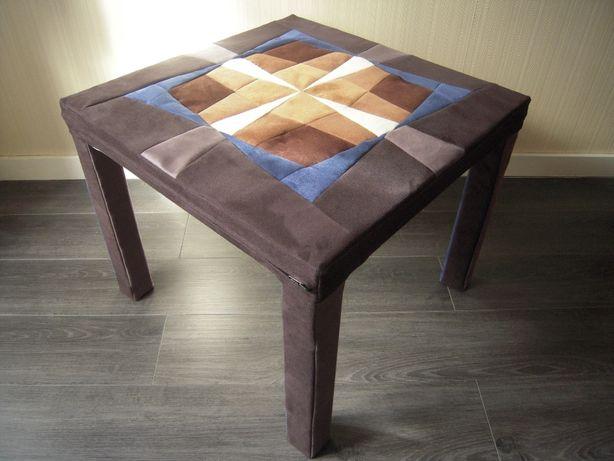 Mesa forrada com tampo em patchwork e tecido Nobuk