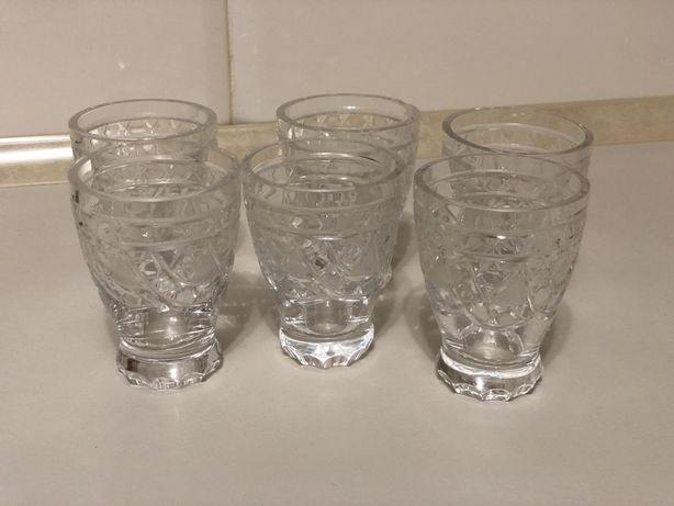 Кришталеві маленькі стаканчики