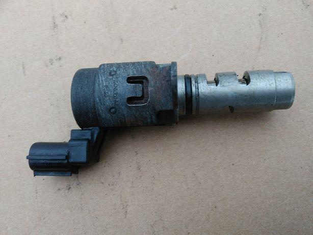 Czujnik faz rozrządu FORD MONDEO MK4 1.6 4M5G-6L713-AE