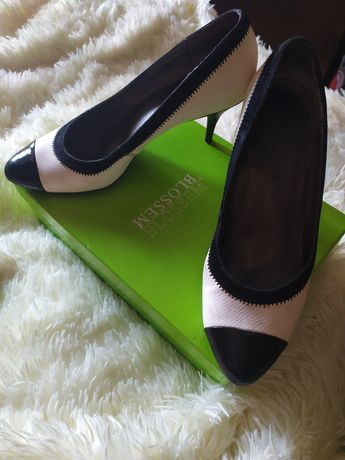 Туфли чёрно-белые офисные размер 41 42 на ногу 27.5 см