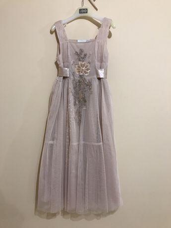 Платье нарядное на 8-10 лет