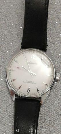 Unikatowy nakręcany zegarek adriatica po remoncie