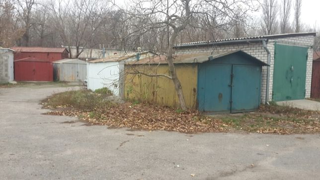 Продам гаражи в кооперативе