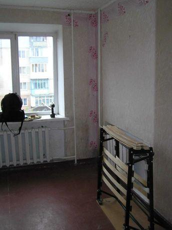 Кімната в гуртожитку з власною ванною кімнатою ( м.Волочиськ)