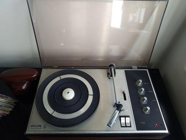 Gira-discos Philips 715