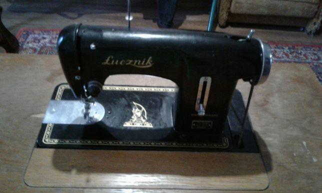 Швейная машинка Лучник