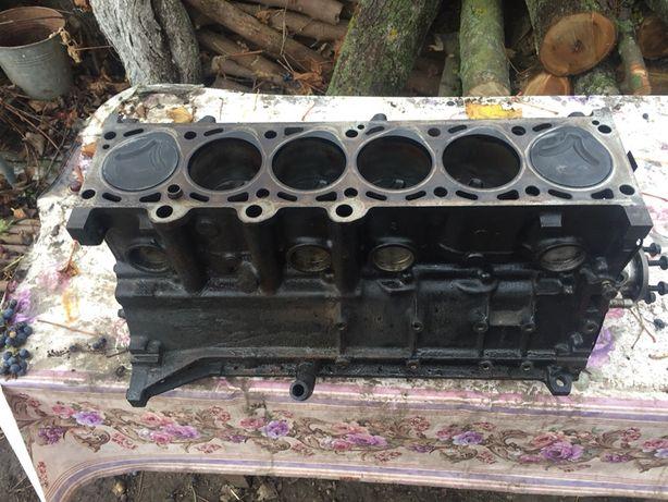 Блок двигателя,радиатор,генератор,диффузор,стартер,сцепление м51 е34