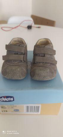 Sapatos bebé Chicco tamanho 19