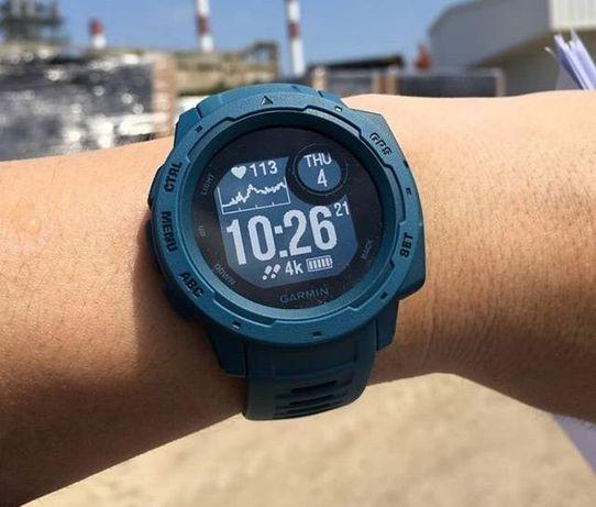 Часы спортивные Garmin Instinct