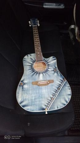 продам гитару в гарному станы