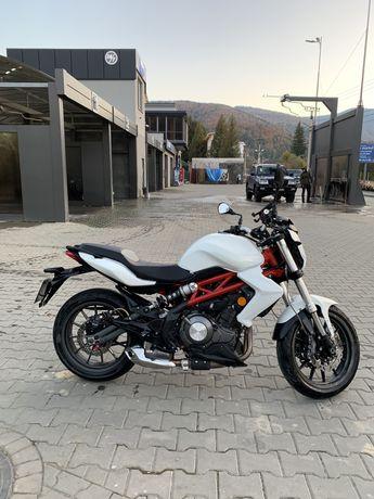 Мотоцикл Benelli tnt300 2017 рік