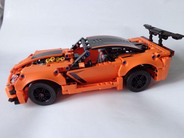 Klocki Lego Technic Chevrolet Corvette - 42093