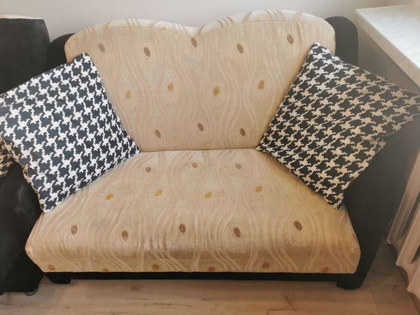 Rozkładana sofa 2 osobowa