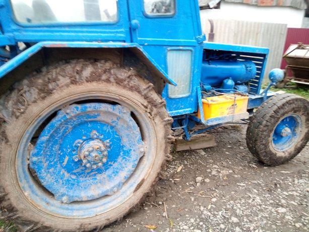 Саморобний трактор т 40, з плугом, парком для рядків та розорувачем