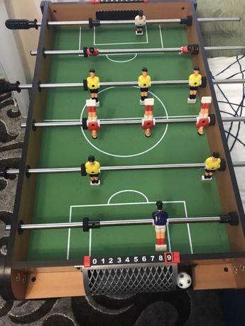 Настольний футбол , стол-футбол