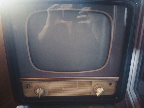 Раритетный телевизионный приемник старт - 4  1970 года