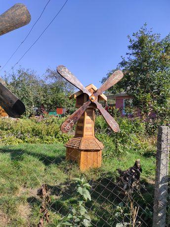 Садовая мельница. Декор
