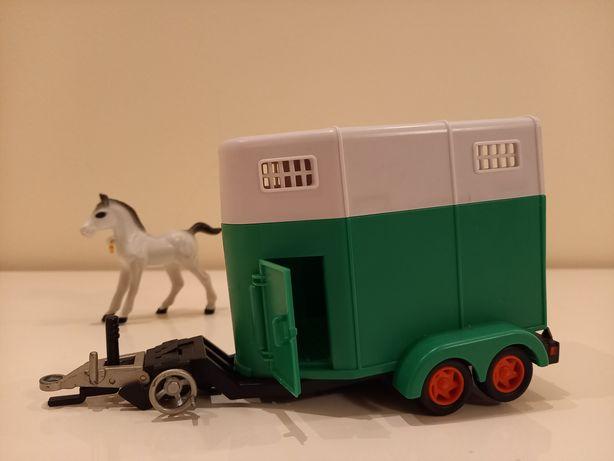 Przyczepa dla koni z konikiem w komplecie