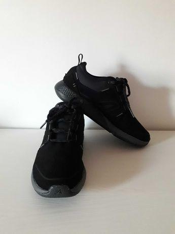 Sapatos para caminhada em pele Decathlon