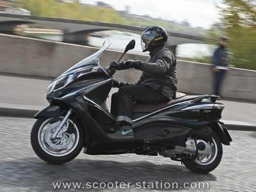 Piaggio X10 125 ie Executive (ABS/ASR) - Excelente Oportunidade
