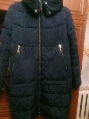 Продам зимове пальто.Синій колір.