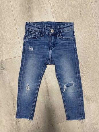 Рваные джинсы Skinny H&M на 1,5-2 года