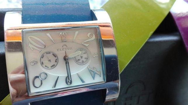 Relógio Eletta com 4 braceletes, mostrador do relógio em madrepérola