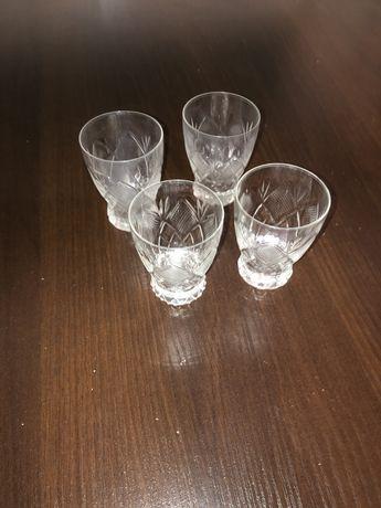 Kryształowe szklanki