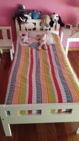 cama de criança com colchão incluído