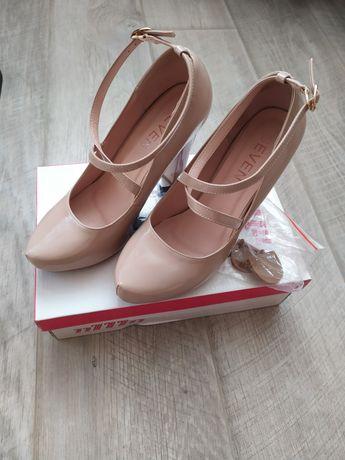 Туфлі зручний каблук