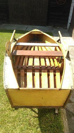 Łódka wędkarska, rekreacyjna, drewniana, wypoczynek.