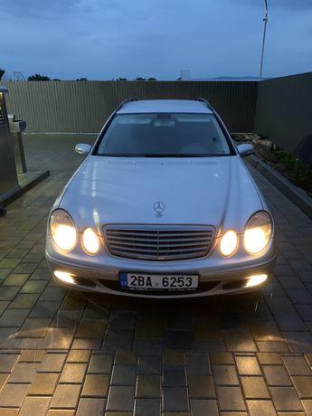 Mercedes 211