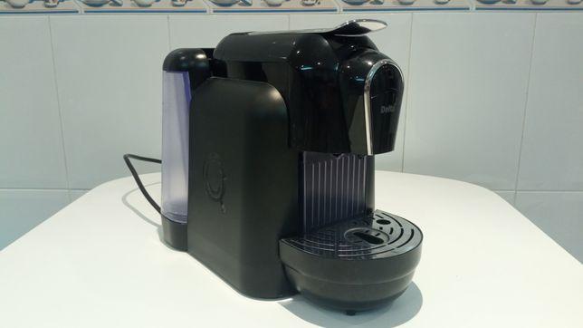 Máquina de café Delta Qool
