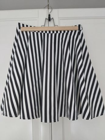 Spódnica MOHITO czarno białe PASKI pasy z koła S 36 38
