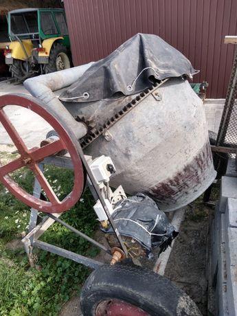 Betoniarka duża pojemność z silnikiem sprawna