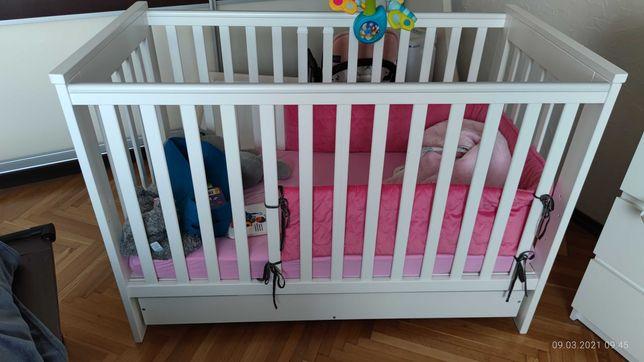 Łóżeczko dziecięce Klupś IWO z szufladą i materacem