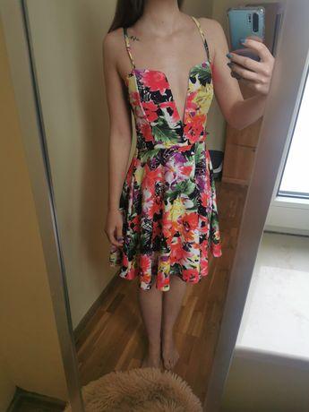 Sukienka na ramiączkach w kwiaty Boohoo
