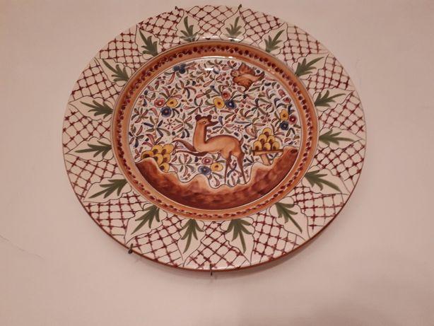 Prato alcobaça e pratos ingleses